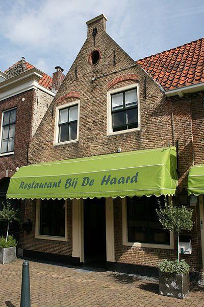 Ter overname aangeboden RESTAURANT BIJ DE HAARD in mooi monumentaal pand - centrum Voorburg <h10>VERKOCHT </h10>